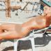 Desnuda frente al muro de los lamentos