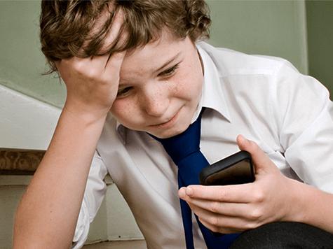 Cómo saber si tu hija/hijo es víctima de acoso online