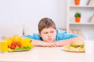 ¿Cuál es la manera más efectiva de prevenir la obesidad infantil?