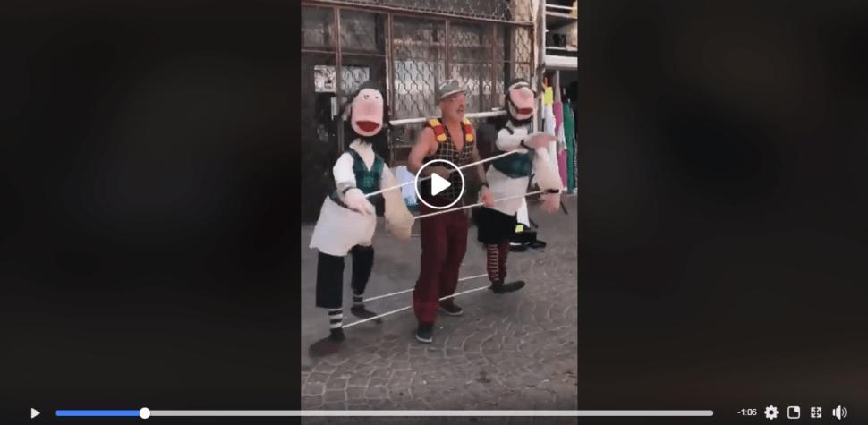 Marionetas danzantes en Tel Aviv
