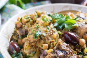 Pollo con aceitunas marroquí (Of V'Zaytaim)