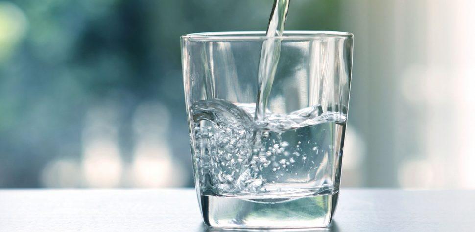 Crean poderoso desinfectante a partir del agua del grifo