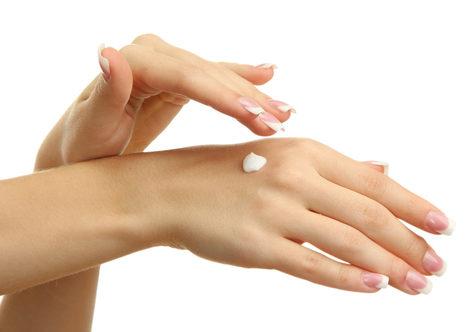Recetas naturales para cuidar tus manos en cuarentena