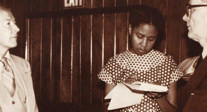 Escritores que debes conocer: Jamaica Kincaid