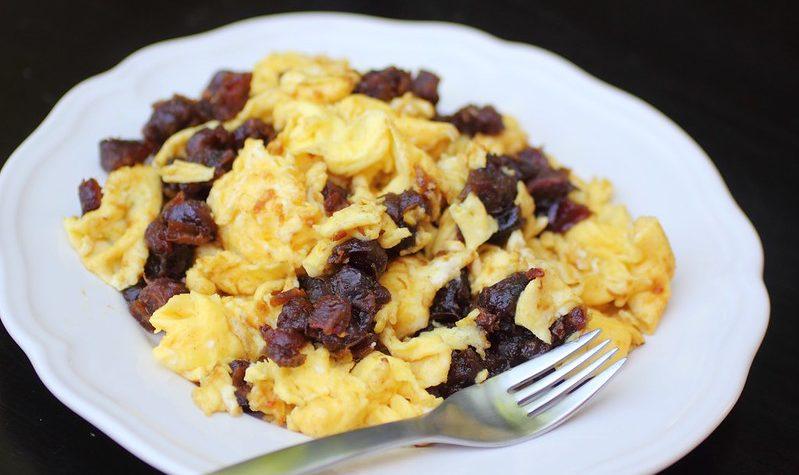 Una manera diferente de comer tus huevos salteados. ¡Quedan buenísimos!