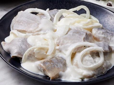 Arenques a la Crema (arenques marinados)