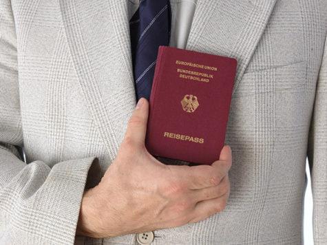 """Ciudadanía alemana para los hijos """"ilegítimos"""" de judíos expulsados por los nazis: fallo judicial"""