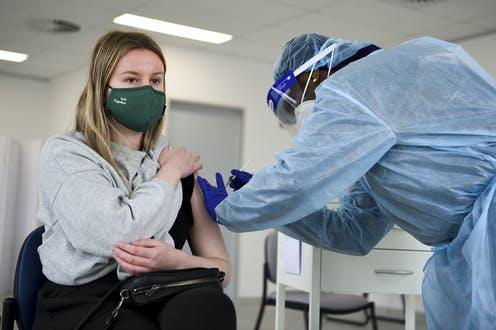 Enfermarse de COVID da una defensa contra la variante delta más duradera que las vacunas